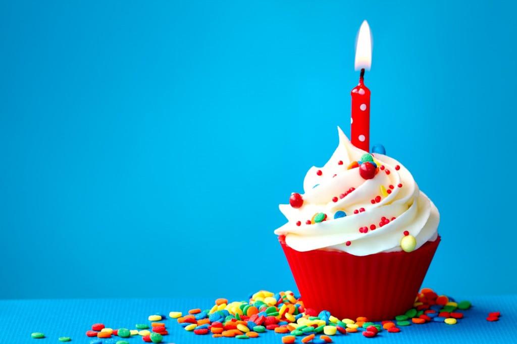 Birthday-colorful-cupcake